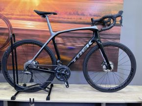 Bici da Corsa Race Trek Domane SLR 7  - 2020 Trek Black/Quicksilver-Anthracite Fade - 58 (Evolution Bikes, Napoli)
