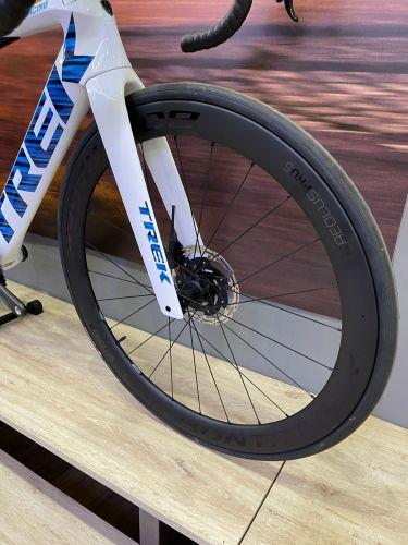 Bici da Corsa Race Trek Madone SLR 7 Disc - 2020 Voodoo Trek White/Blue - 52 (Evolution Bikes, Napoli)